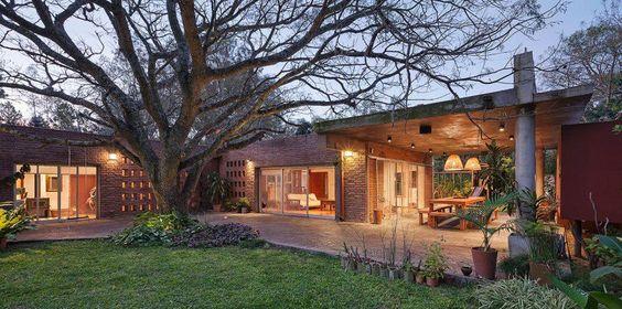 + Arquitetura :   Projeto da Estudio Puyol / Meinardy, a casa esta localizada em Santa Fé (Argentina).