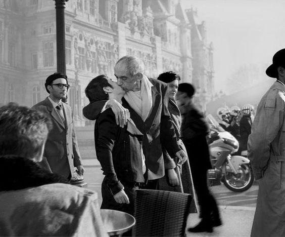 Hommage à Robert Doisneau, Baiser de hotel de ville, 1950, 2014: