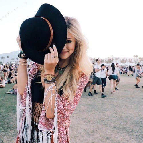 Boho chic festival style modern hippie look. For the BEST Bohemian fashion styles FOLLOW https://www.pinterest.com/happygolicky/the-best-boho-chic-fashion-bohemian-jewelry-gypsy-/ now