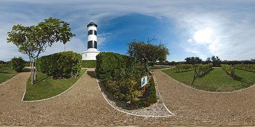Dans les allées du phare de Chassiron - France © Pascal Moulin