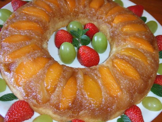 Tarta savarín de melocotones y azúcar moreno Ver receta: http://www.mis-recetas.org/recetas/show/37453-tarta-savarin-de-melocotones-y-azucar-moreno