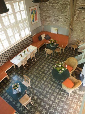 De Theeplaats, Biesbosch- leuk voor overnachting met fam of met groep vrienden.