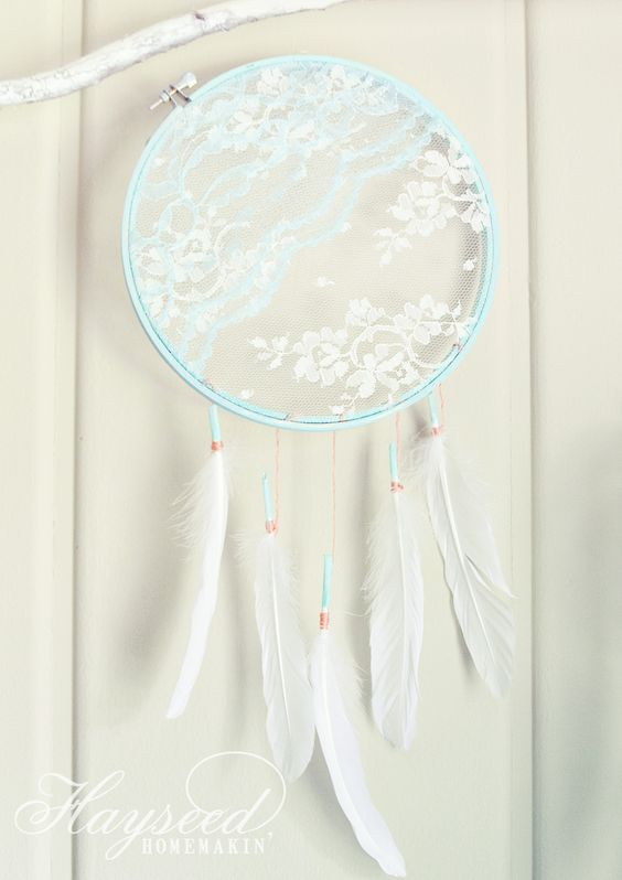DIY lace dream catcher {perfect for a babies room or as party favors ...