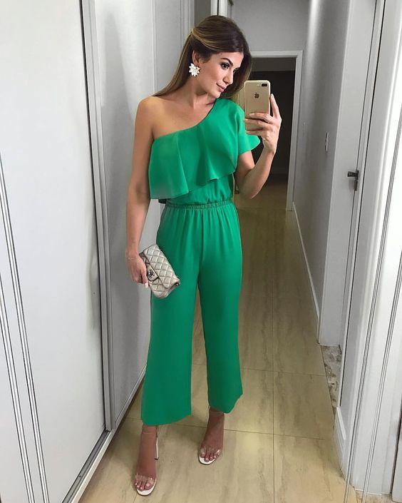 """1,923 curtidas, 8 comentários - Ariane Cânovas (@arianecanovas) no Instagram: """"{Green 💚} Macacão pantacourt by @seikifashion Chic sem muito esforço em uma das cores que eu mais…"""""""