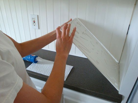 How to put beadboard over tiles... Looks awesome ... Want ...