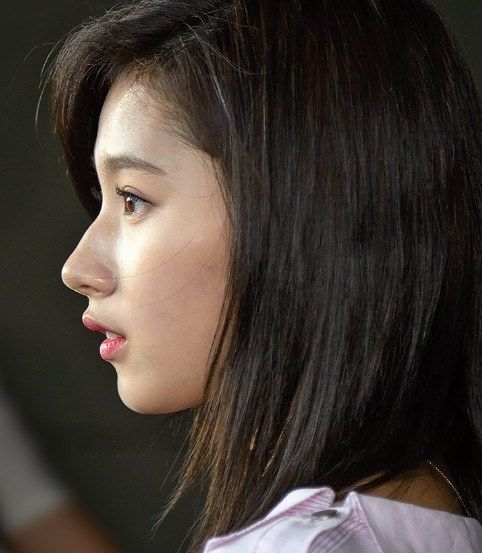 Sana S Nose Is Not Made With Plastic Surgery Twice Sana Tzuyu Nayeon Jeongyeon Momo Jihyo M Rambut Dan Kecantikan Selebritas Kecantikan