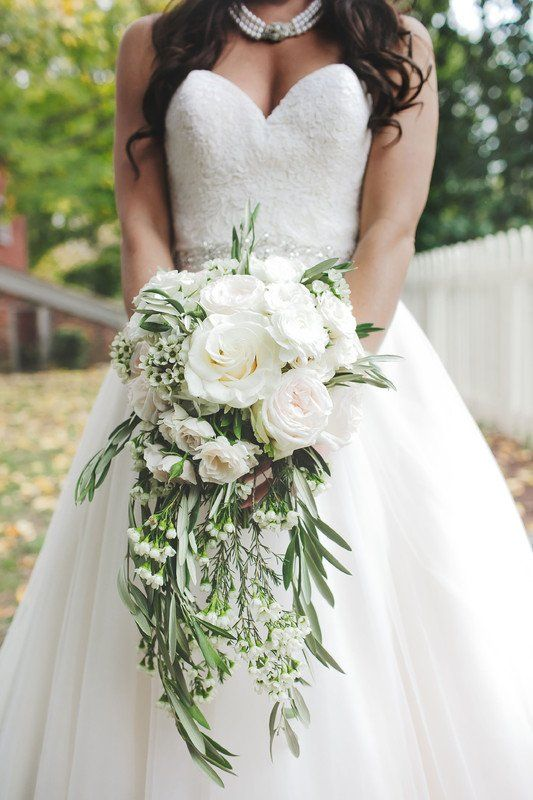 Overflowing Wedding Bouquet White Flower Greenery Bouquet Idea