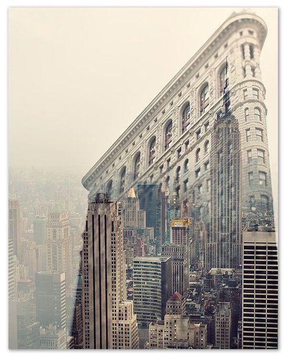 The Flatiron Building reflecting New York's skyline - Patternsnap Blog 'City 'scapes'.