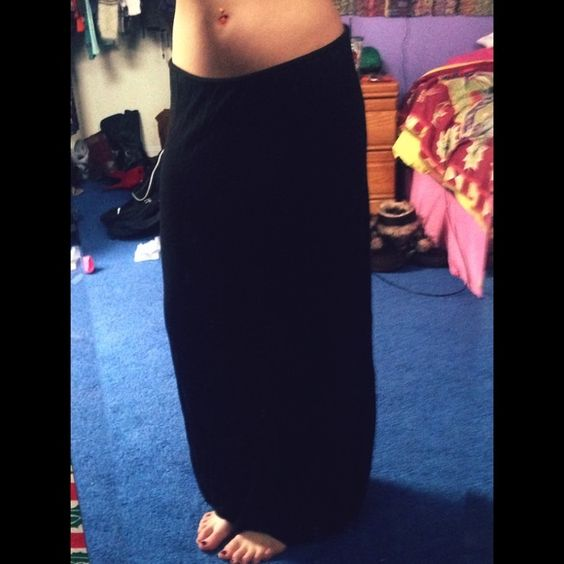 Black Maxi Skirt • worn twice • Tilly's Skirts Maxi