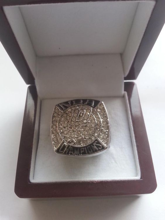 San Antonio Spurs World Champion Fan Ring $55 via @shopseen
