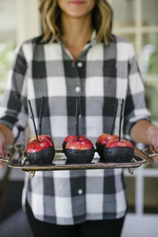 Candied apples dipped in black chocolate for Halloween!