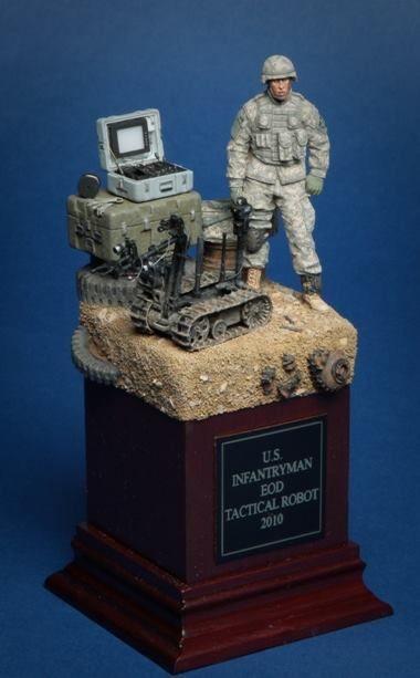 1014342_726268447435183_1306983891625152129_nU.S. Ifantryman EOD Tactical Robot Controller,