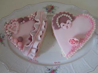 MiRa Cakes: Prajitura cu nuca si alune