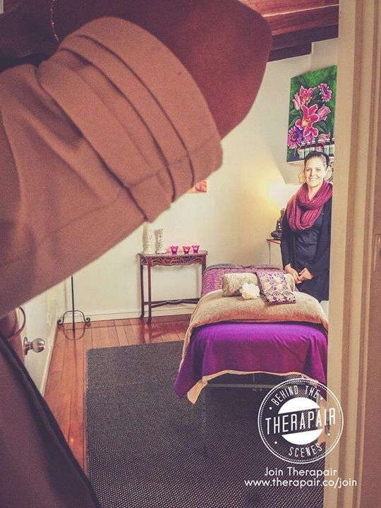 Lots of laughs and an awesome session. Behind the scenes during Jacqui's professional photo and video session. Thanks Jacqui :) #massage #massagetherapy #massagegoldcoast #goldcoastmassage