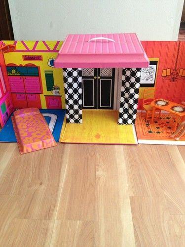 1968 Vintage Vinyl Mattel Barbie Family House Dollhouse Table Chairs Barbie Bed | eBay