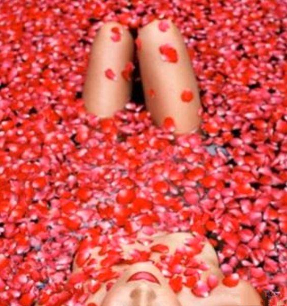 bath of roses