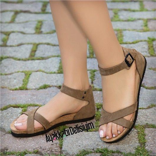 Spor Yapisi Ile Gunluk Olarak Kullanabileceginiz Sandalet Modellerini Incelemek Icin Tiklayiniz Duz Sandalet Modelleri Mavi Sandalet Sandalet Siyah Sandalet