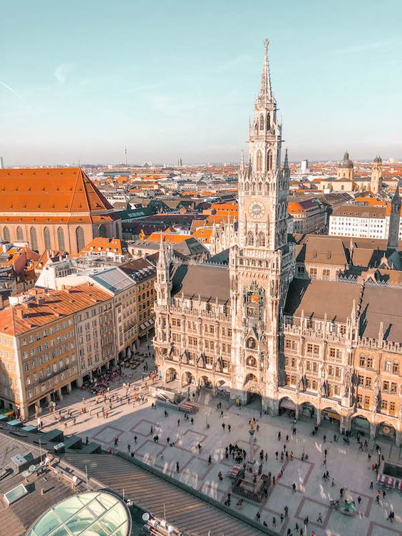 Spend three days eating, drinking and exploring the best of Bavaria. From classics like Hofbrauhaus to hidden gems, here's your weekend guide to Munich.
