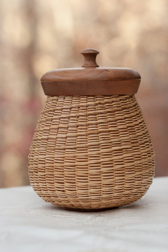 Nantucket Lightship Basket Potbelly ::: by Wistful Willow Baskets. Love the design. Lorr