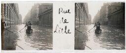 """Paris,""""Rue de Lille"""" = Trois hommes dans une barque. 1910."""