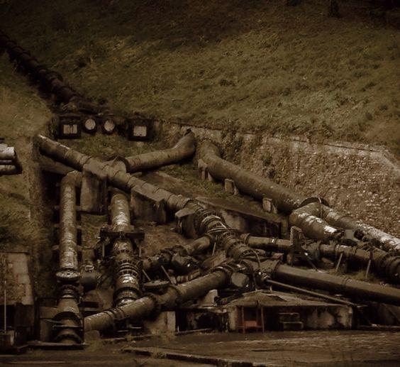 La machine de Dufrayer, Louveciennes, France. Dufrayer's machine, Louveciennes, France.••