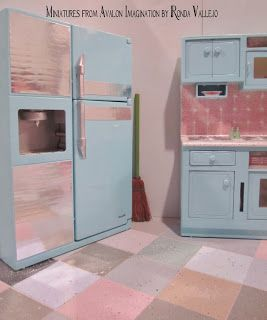 how to faux linoleum floor using paint chips tutorials miniature construction floors. Black Bedroom Furniture Sets. Home Design Ideas