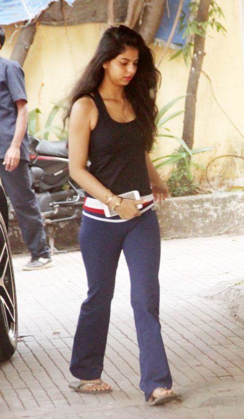 Shahrukh Khan Daughter Age : shahrukh, daughter, గారాల, చెల్లిని, ఫిలిం, స్కూల్, కి, పంపిన, అక్క, TeluguNow.com, Indian, Actress, Photos,, Bollywood, Actors,, Paparazzi, Photos