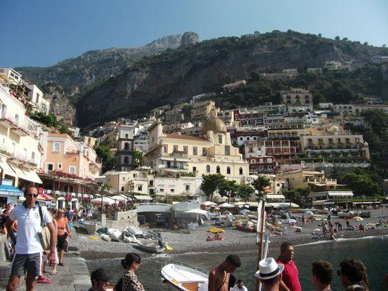 ユーラシア旅行社で行くイタリアツアーでは、アマルフィに滞在し、景勝のポジターノにも足を伸ばします。