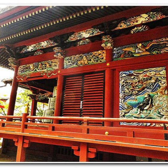 Rich art on the Takao san temple walls