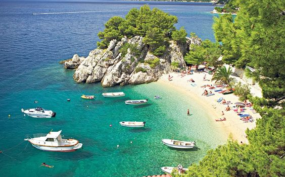 Most visitors to Dalmatia head straight for the islands, but the Makarska Rivijera on the mainland coast, between Split and Dubrovnik, is home to some of the country's loveliest stretches of beach. Running from Brela in the north to Gradac in the south, the riviera is 38 miles long and centres on Makarska.