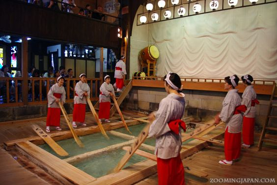 """Kusatsu (Gunma): You can see """"Yumomi (湯もみ)"""" which is a traditional method of cooling down hot spring water."""