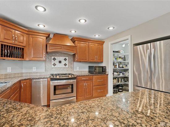 810 N Waugh Rd Mount Vernon Wa 98273 Mls 1612597 Zillow Mount Vernon Kitchen Cupboards Zillow