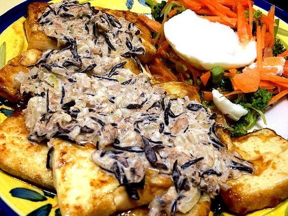 ただいまダイエット中!fckoji1972さんの豆腐ステーキを照り焼き風にし、ツナマヨにはひじきと玉ねぎを入れてみました ♪♪ 簡単なのに味も量も満足でした(=^ェ^=) - 109件のもぐもぐ - fckoji1972さんの豆腐ステーキ 照り焼き風☆★☆★  &温玉のせサラダ by moe;)