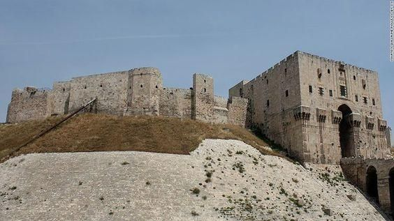 The Six Oldest Castles In The World Monumentos Castillos Y