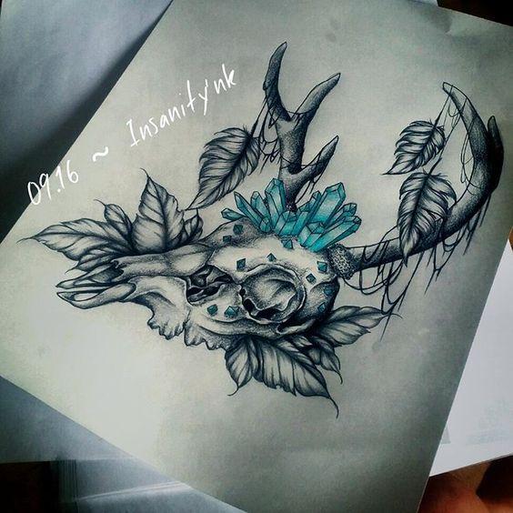 Disponible ; 45 €  #draw #drawing #sketching #tattoosketch #tattoodesign #tattooflash #tattoodraw #realistictattoo #realism #blacktattoos  #destroy #darkartists #blackflashwork #deer #deertattoo #deerskull #skull #feather #gemstone