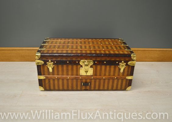 Antique Rayed Striped Louis Vuitton Trunk - William Flux Antiques #louisvuitton #louisvuittontrunks #vintageluggage
