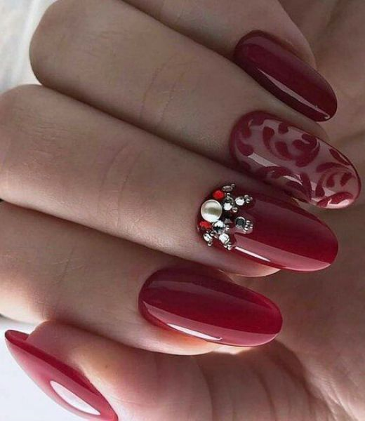11 Of The Exceptional Red Hot Wedding Nail Art Designs To Mesmerize Anyone Styles Beat Nail Jewels Wedding Nail Art Design Red Nail Art