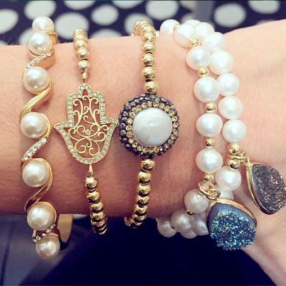 Set By Vila Veloni Gold And White Bracelets