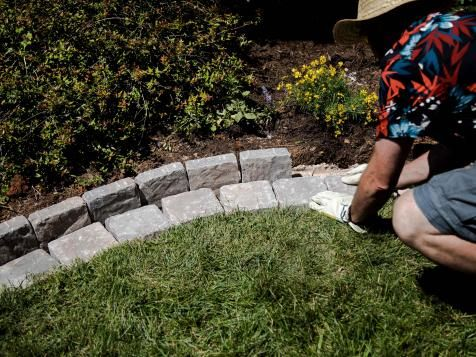 Diy Paver Edging That Makes Mowing A, How To Lay Brick Pavers Garden Edging