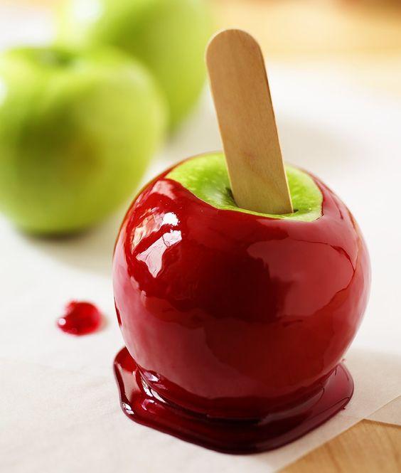 Liebesapfel selber machen | Zeit: 15 Min. | http://eatsmarter.de/rezepte/liebesapfel