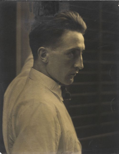 Marcel Duchamp, 1917, photo by Edward Steichen