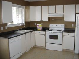 2BEDROOM TOWNHOUSE AVAILABLE IN WEST KELOWNA - Price includes Utilities!! - Castanet Classifieds