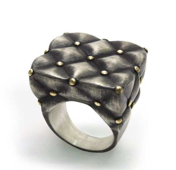 Captonet Ring, yellow gold 18K and silver by Flavia Amoedo. flaviaamoedo.com