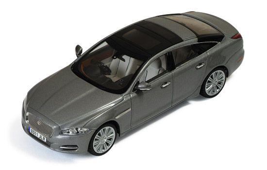 MOC149 Jaguar XJ  2011 Stratus Grey Metallic