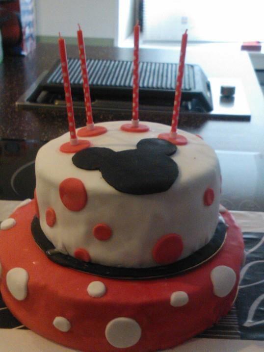 Le gâteau d'anniversaire Minnie de ma grande fille