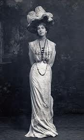 Violet Gordon-Woodhouse.  1872-1948.  British harpsichordist, clavichordist, & menage-a-conqist.