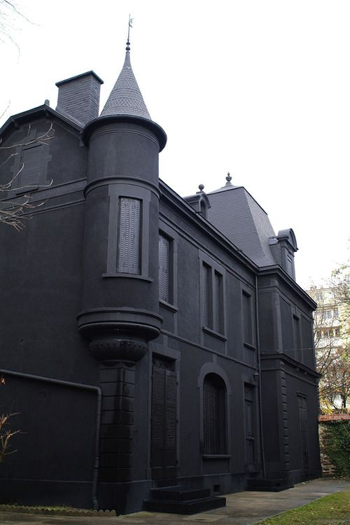 I find this building gothic because it is completely black and dark, it is also quite an old styled house.