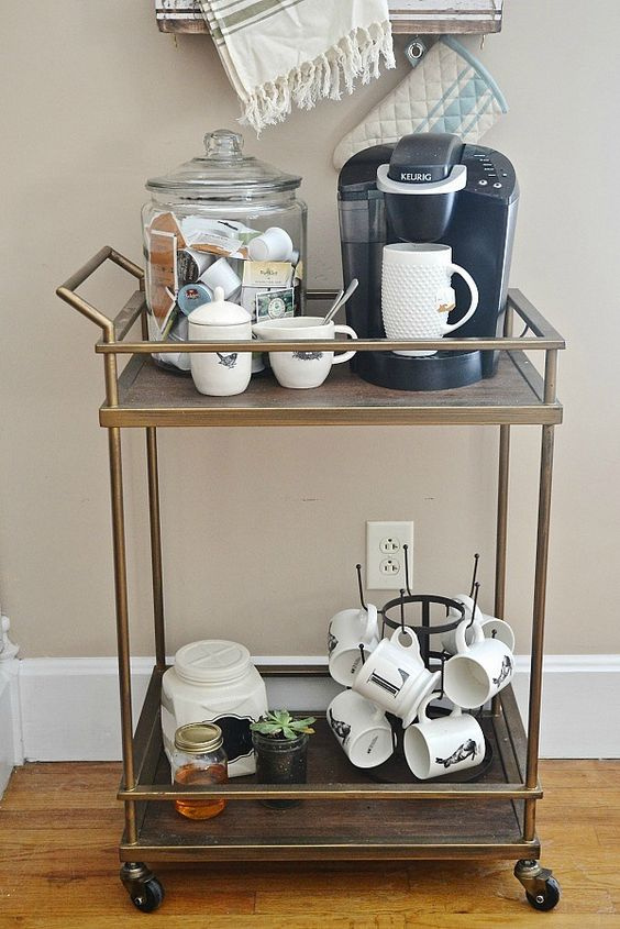 DIY Coffee cart. Feito a partir de um carrinho de chá. Ficou lindo! ☕