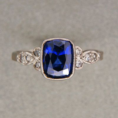 This is absolutely perfect if that was an emerald cut columbian natural emerald omggg love love love need need HINT HINT DILLON