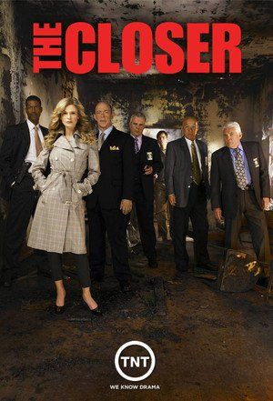 The Closer The Closer Fue Una Serie De Televisión Estadounidense Que Muestra El Trabajo De La Subjefa De La P Serie De Television Series De Tv Póster De Cine